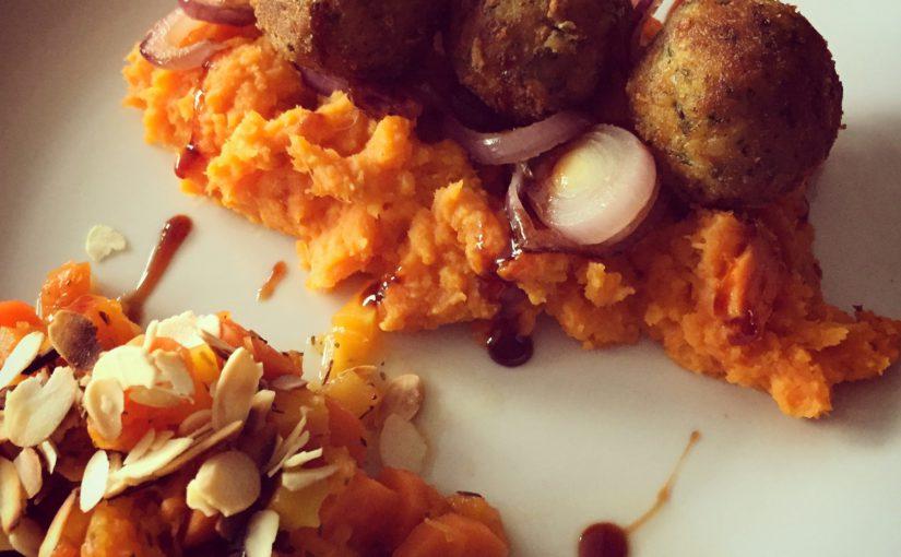 Puree van zoete aardappel met wortelen, pompoen en falafel